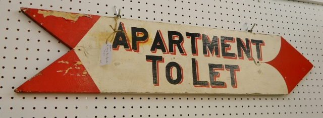 painted sign via homeologymodernvintage.com