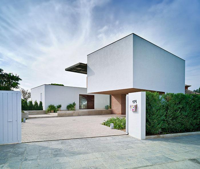 Fachadas modernas y minimalistas minimalistas 2015 for Fachadas exteriores minimalistas