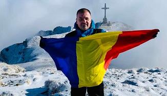 Mircea Roșca 🔴 La mulți ani, români! Vă îndemn să vă iubiți aproapele, prin asta veți iubi România