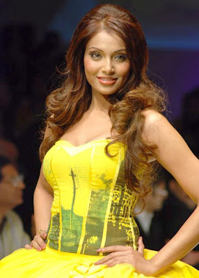 Bipasha Basu Bollywood Actress HQ Wallpaper
