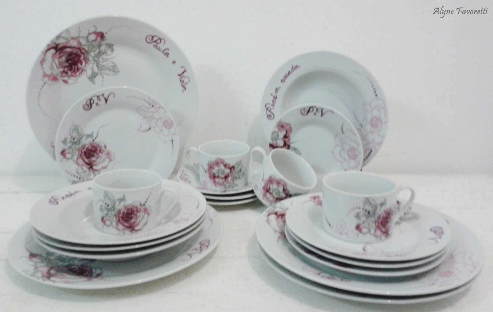 Favoretti: Aparelho de jantar com rosas personalizado para noivos #643E48 1600x1012