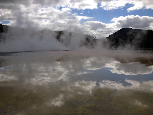 waiotapu_thermal_volcanic_springs_hot_new_zealand
