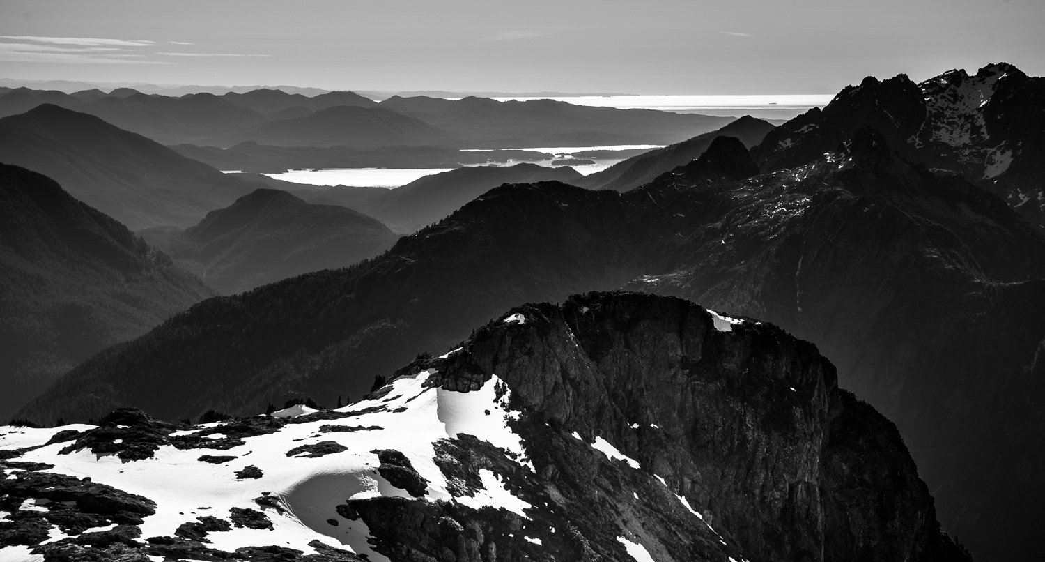 Vancouver Island mountain ranges, shot form Mount 5040