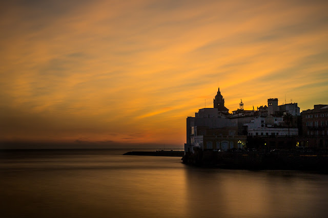 Sunset Sitges :: Canon EOS5D MkIII   ISO100   Canon 24-105@60mm   f/18   120s