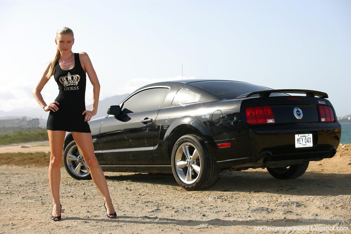 Fotos De Carros Y Mujeres Autos Lujo Hermosas