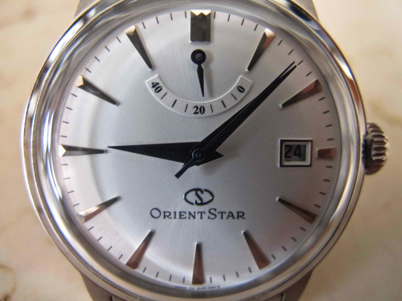 Kondisi ORIENT STAR ini Like Brand New Watch lengkap dengan box dan warranty card Cocok untuk Anda yang sedang mencari jam tangan yang terdapat