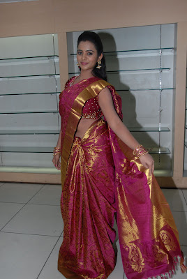 Manasa at Kalaniketan Bride and Groom Collection Launch