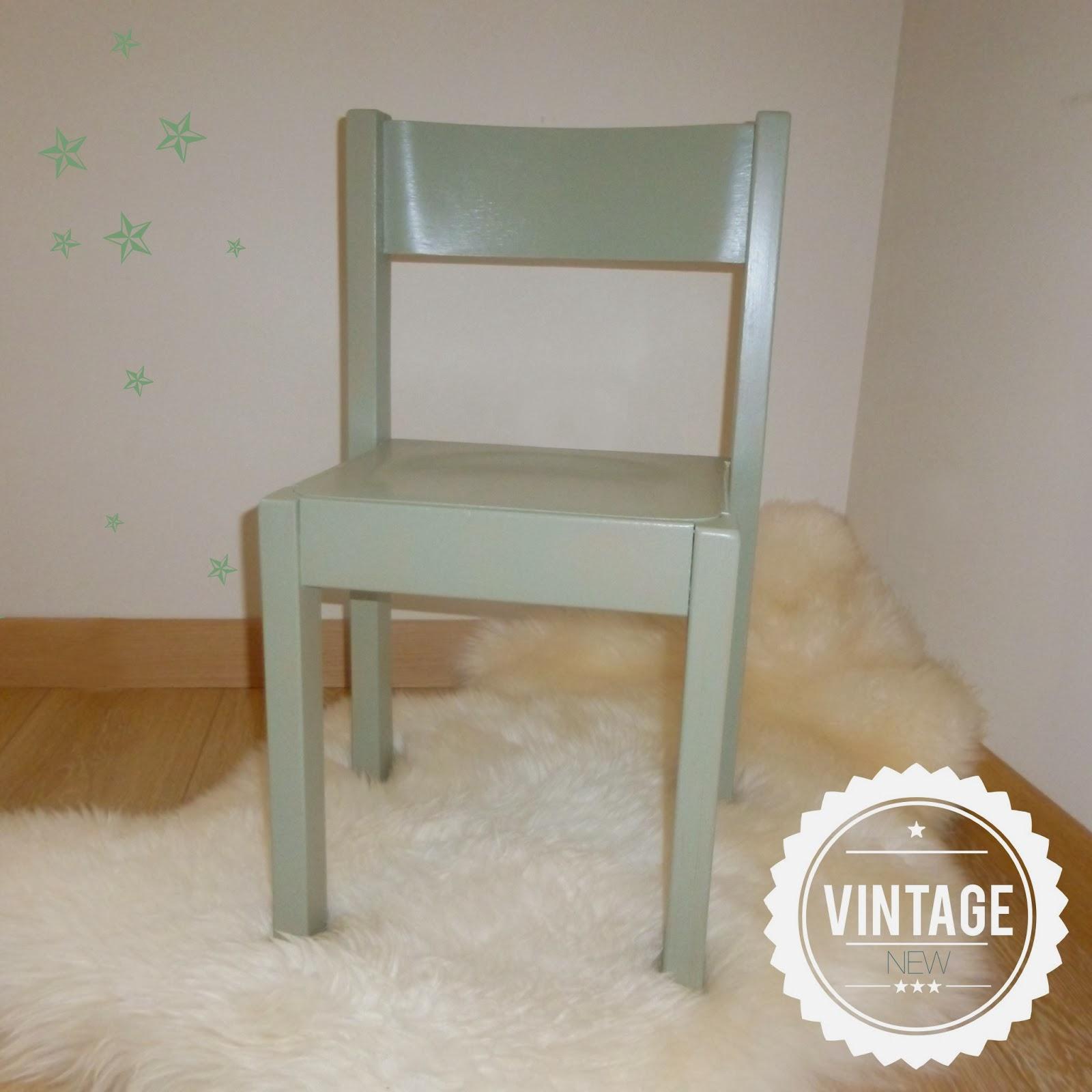 vintage trendy petite chaise enfant vintage. Black Bedroom Furniture Sets. Home Design Ideas