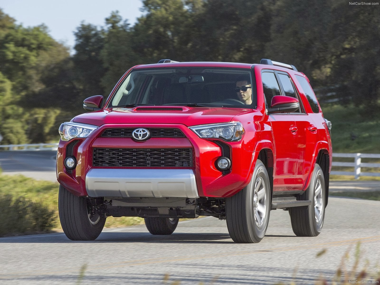 toyota 4runner suv cool cars in 2014 mycarzilla. Black Bedroom Furniture Sets. Home Design Ideas