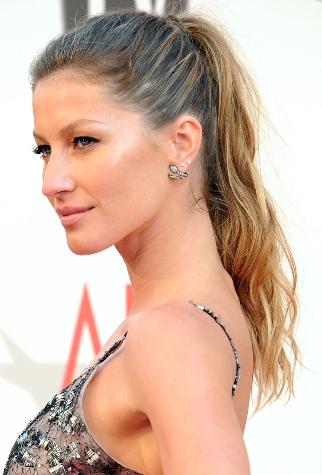 how to make a great ponytail