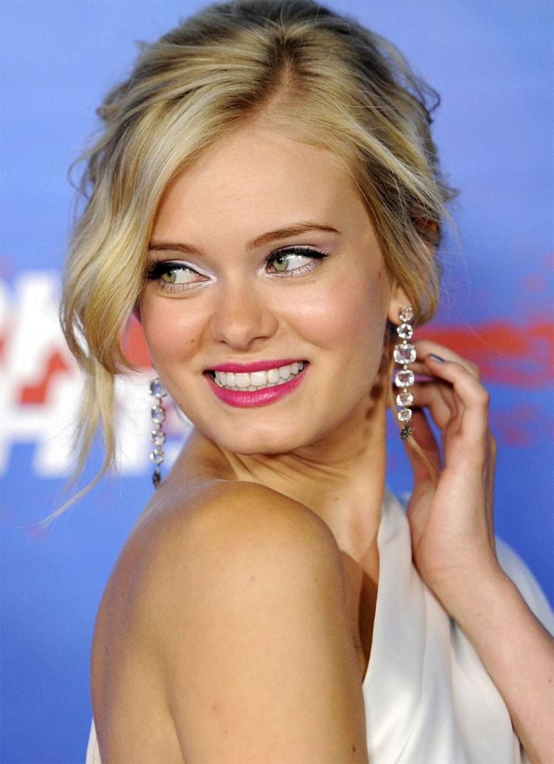sara paxton1 Maquiagem e Cabelo do Dia: Sara Paxton