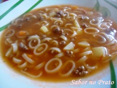 Sopa de Macarrão, hummmm que delícia!