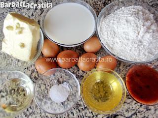 Prajitura cu miere (cu foi, crema si gem) ingrediente reteta