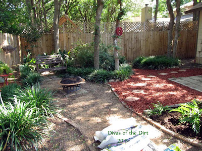 Divasofthedirt,seating area after