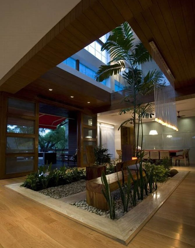 Modern luxury house design new delhi residence pictures for Modern luxury house design