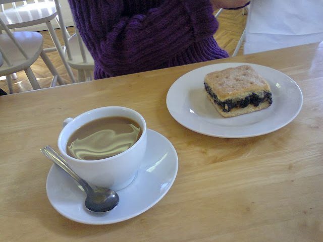 coffee and mince pie slice via lovebirds vintage
