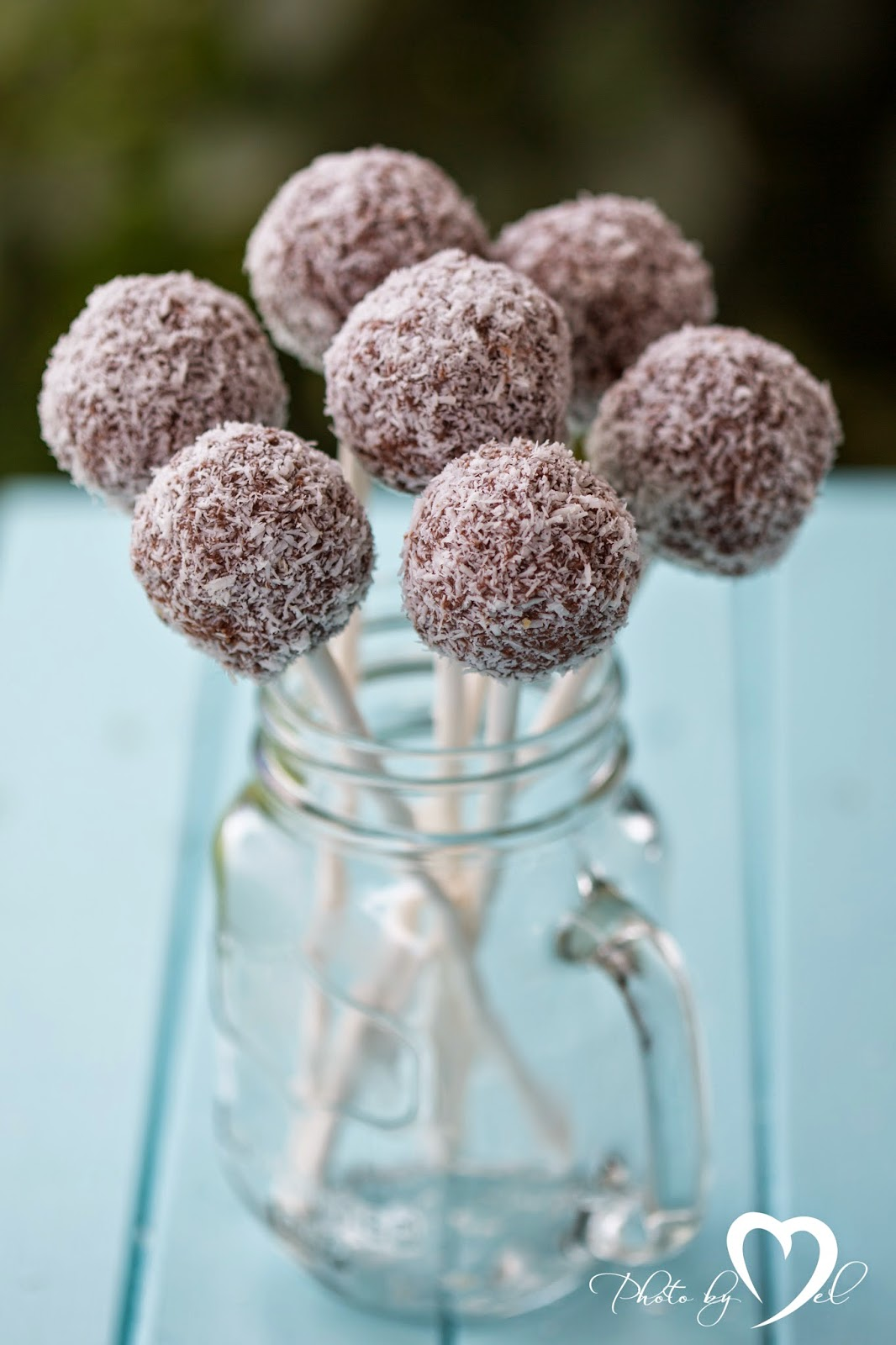 Lamington cake pops