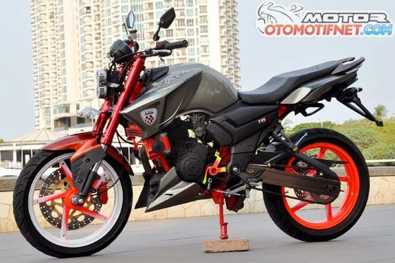 Foto Yamaha Byson India