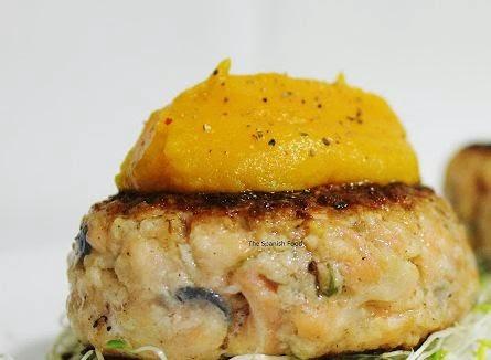 hamburguesas de salmón con puré de calabaza