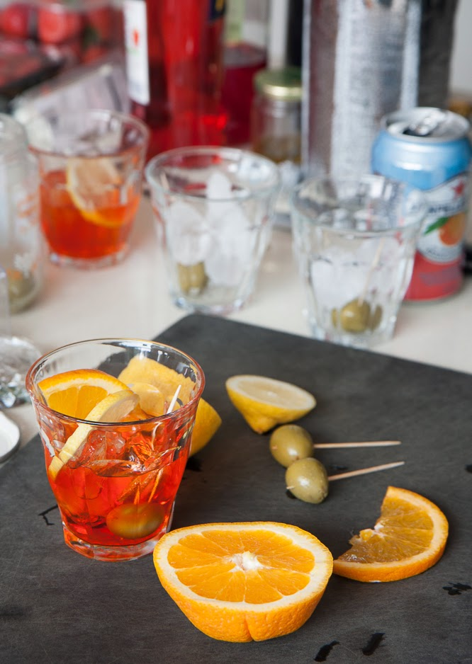 Making an aperol spritz - www.somethingimade.co.uk