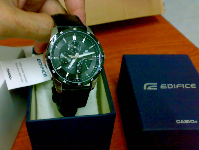 , date and day. The whole watch look nice on my hand, and I LIKE IT