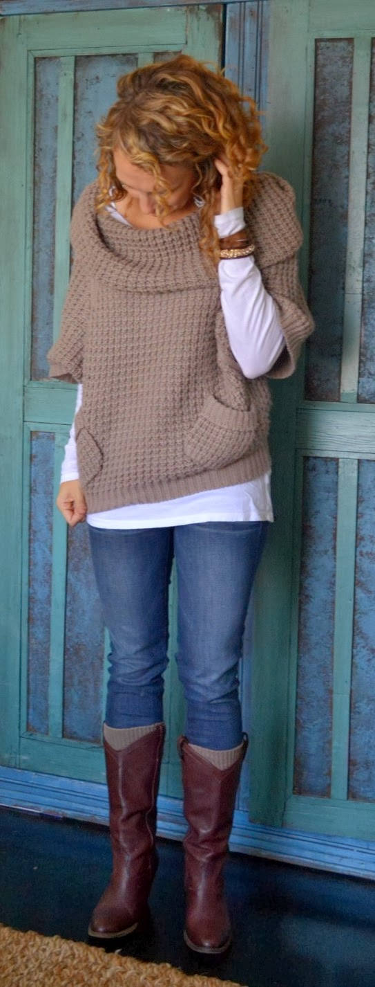 Slouchy knitted pocket sweater for winter