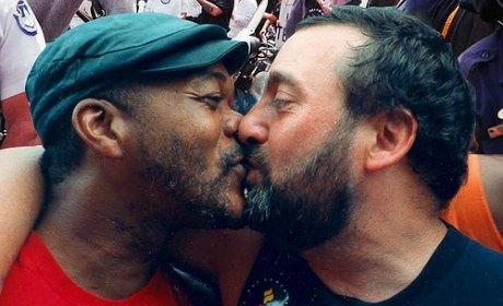 Top 10 des plus gros connards et fils de pute de SSB4.com - Page 3 Gay-mariage-union