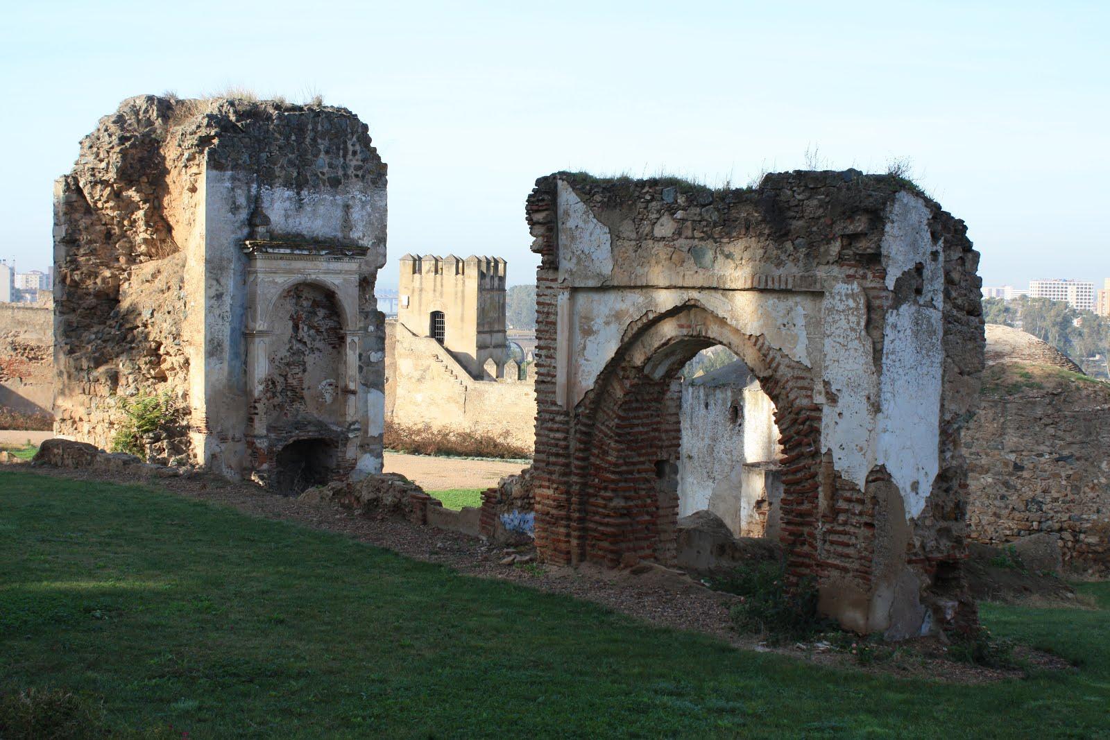 Campaña sensibilización estado ruinoso ermitas de Alcazaba