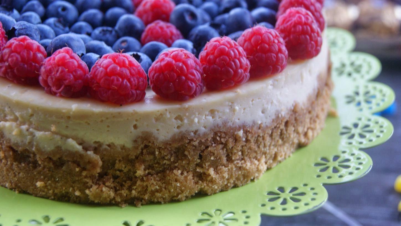 Fleur d'oranger, Masala & Co..: Light lemon curd cheesecake