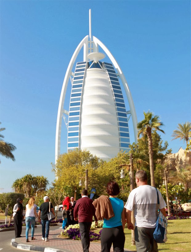 ONE1INFO Official Blog: Dubai adds 2,950 branded hotel rooms in upbeat 2013
