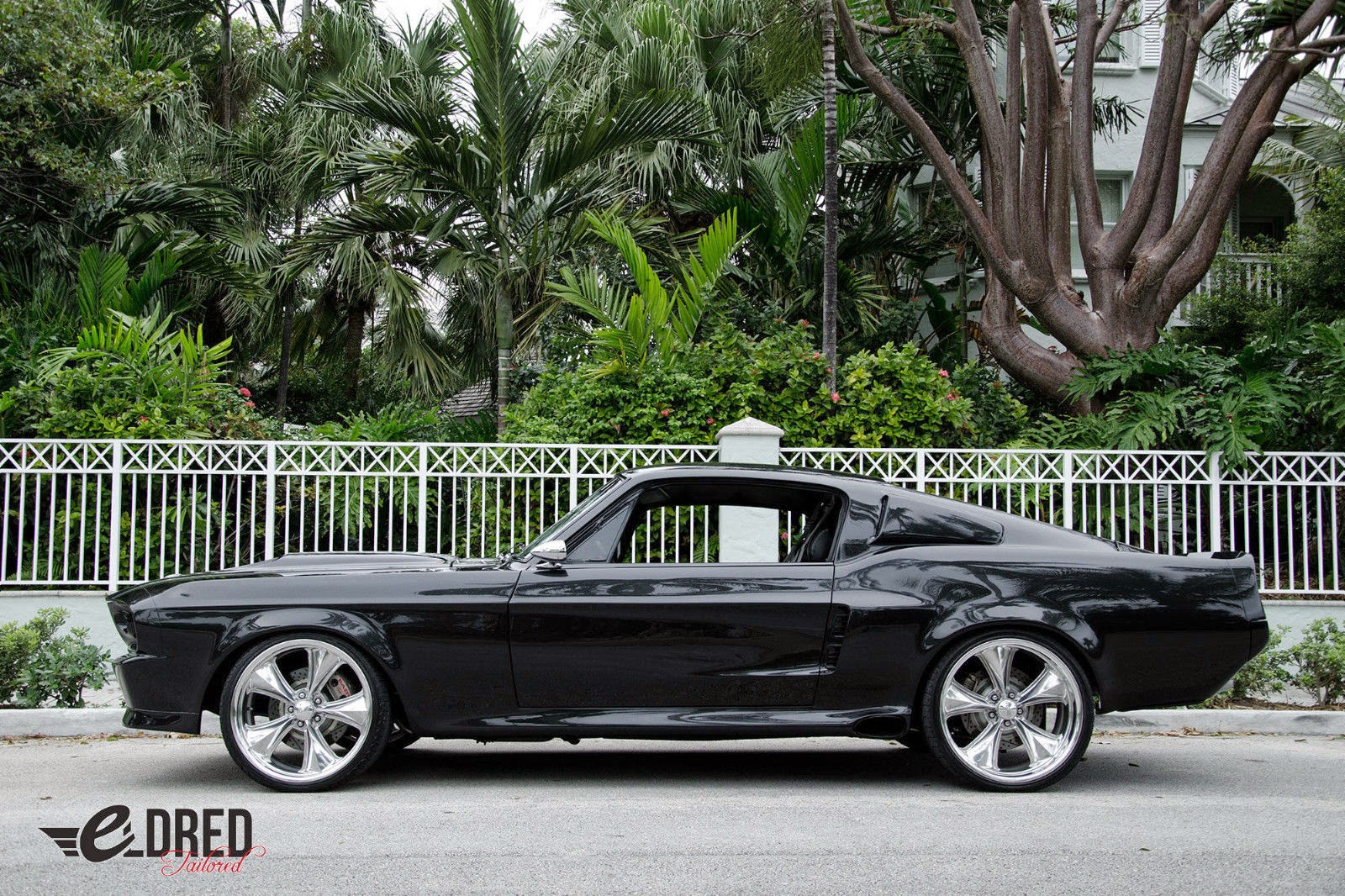 Picture of 1969 ford mustang fastback exterior - This Piece Of American History Is Truly Art From The Exterior Body Where Charcoal Metallic Grey Graces Its Curves To The Silver Striping That Runs Down Its