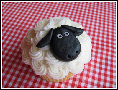 Sheep cupcake