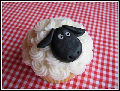 Sheep cupcake