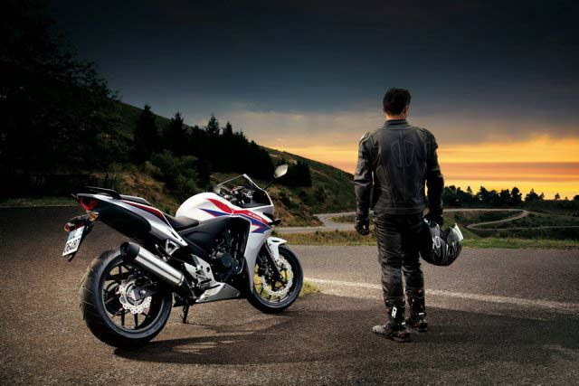 Honda Cb500 Motorcycle http://www.way2speed.com/2012/11/2013-honda-cbr500-official-photos.html