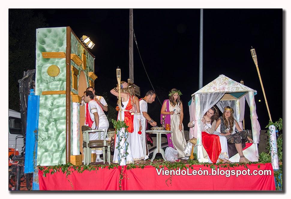 http://viendoleon.blogspot.com.es/2014/08/fiestas-en-bonar-ii-desfile-de-carrozas.html