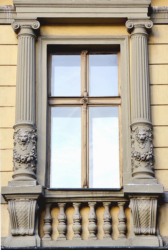 ferestre cu coloane, profile decorative ferestre, fatade case ancadramente din polistiren