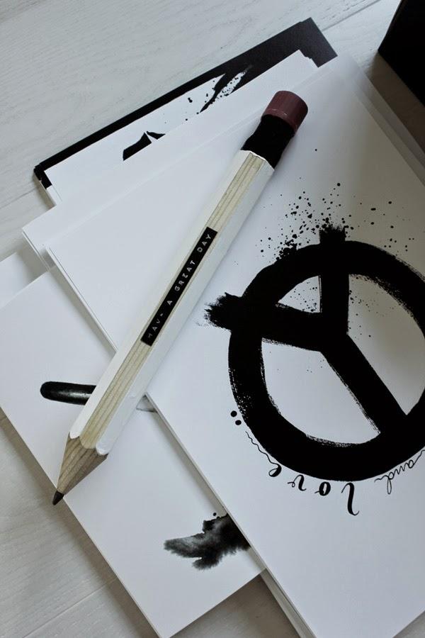 diy, svart och vitt, stor penna, loppis, loppisfynd, konsttryck, peace, artprint, artprints, poster, svartvitt, svartvita, tavlor, tavla,