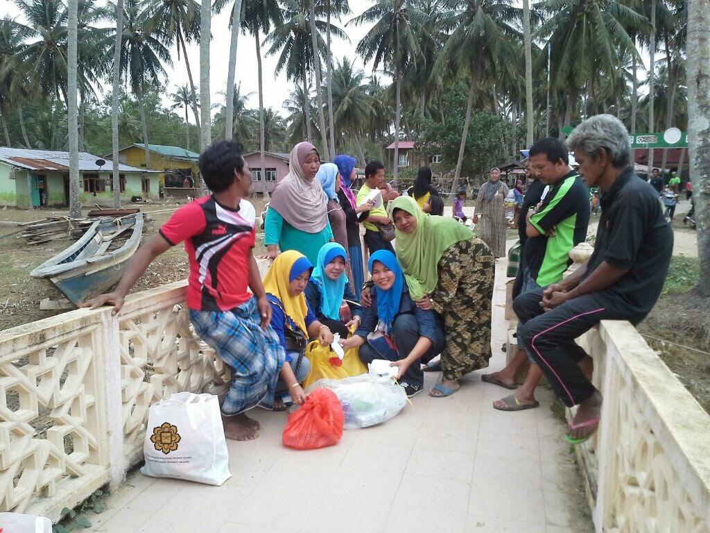 Gambar Bantuan Untuk Mangsa Banjir