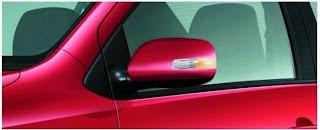 kính chiếu hậu điều chỉnh gập/ mở bằng nút bấm với mặt gương lớn