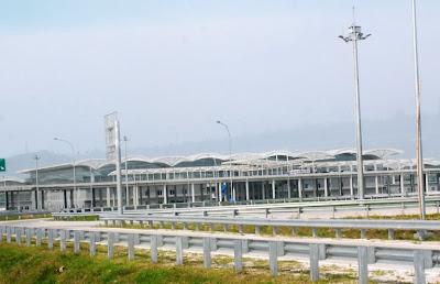 Foto Parkiran Bandara Kuala Namu Medan
