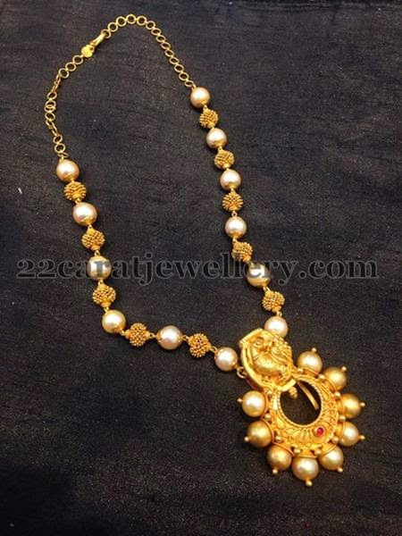 South Pearls And Gold Beads Set Jewellery Designs