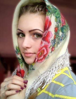 Foto Yulia Viktorovna Vins atau Julia Vins Gadis Rusia Bertubuh Kekar