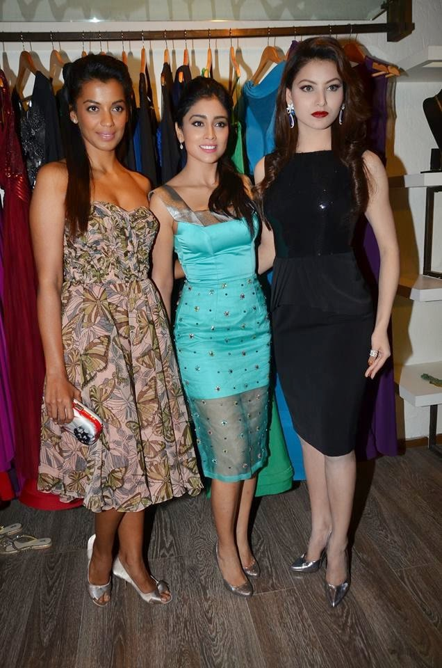 Shriya Saran, Mugdha at Rajat Tangri's New Collection at Atosa