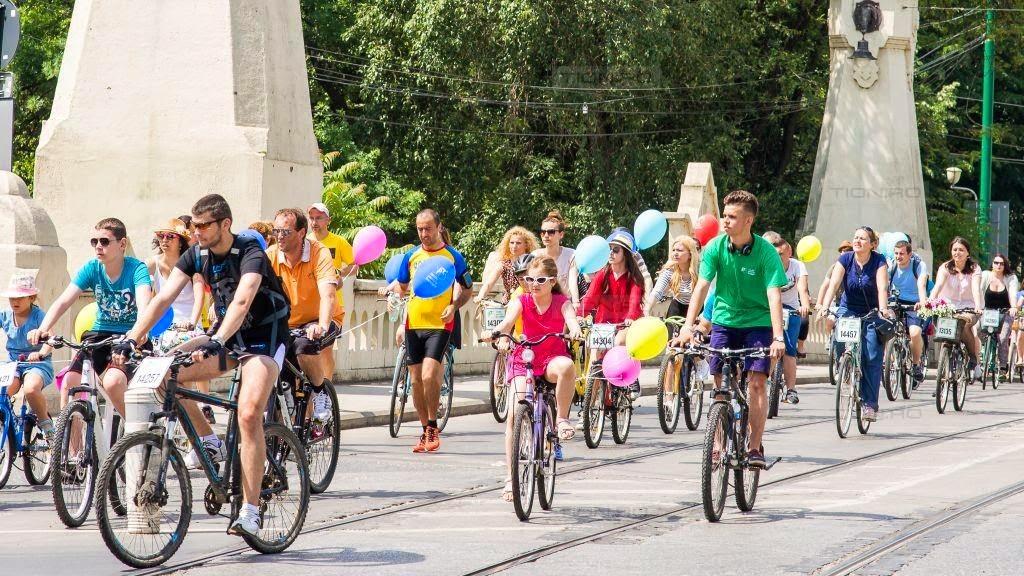 Alergare pe langa Cochete pe Biciclete, prin Timisoara, la evenimentul organizat de Verde pentru Biciclete