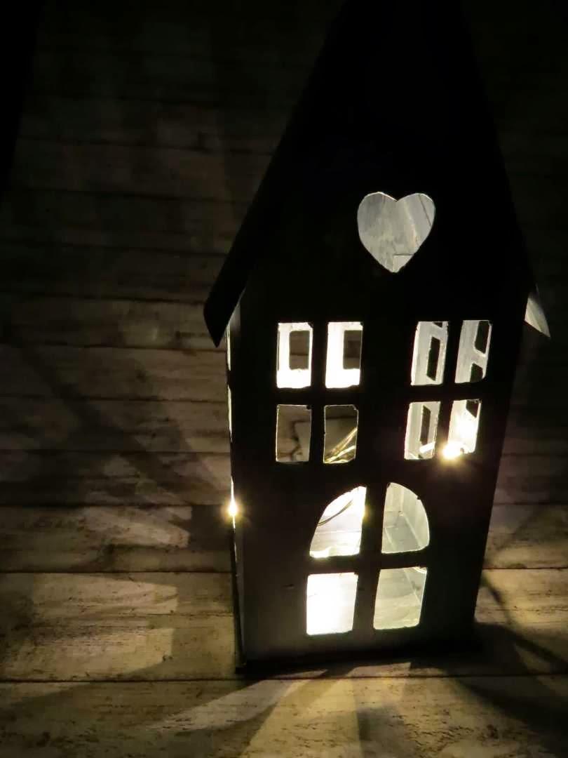 Lanterna casa in finto zinco
