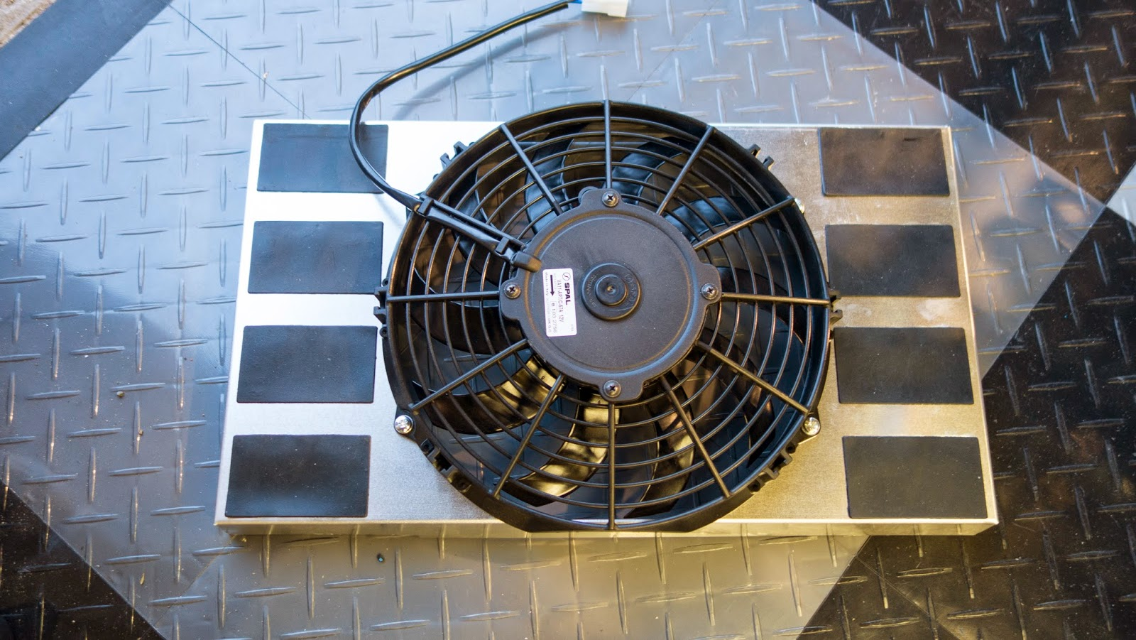 R500 radiator cowl fitted with fan.