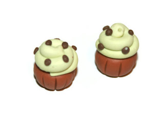 Mint Choc Chip Cupcake Bead, handmade from polymer clay