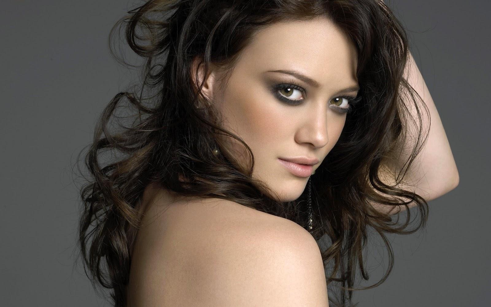 http://4.bp.blogspot.com/-2uPi9q4lh1o/UCUHcn9trZI/AAAAAAAACPo/mj2j_iuO6pU/s1600/Hilary+Duff+HD+Wallpaper.jpg