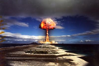 http://4.bp.blogspot.com/-2uZrB4BoakQ/UWxua05C2hI/AAAAAAAAA_Y/fvH2BK9pHP8/s1600/nuke_explosion.jpg