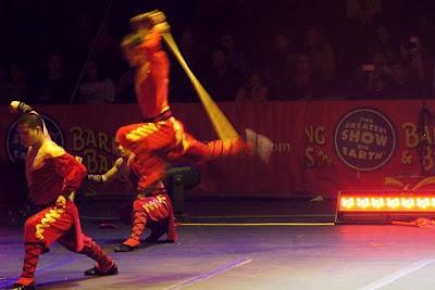 Breaking a pole over a Shaolin warrior's head